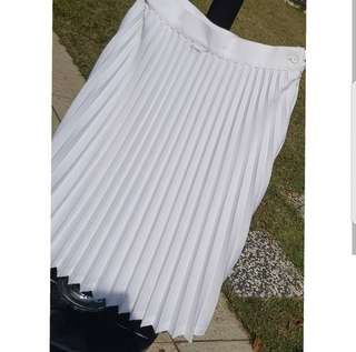 Never worn Pleated skirt