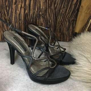 Studio tangs heels 38