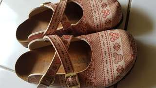 Preloved. Authentic birks made in Spain.