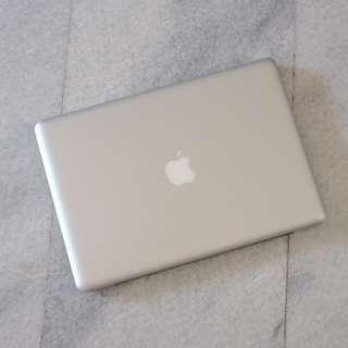 Macbook pro 13 inch 2010
