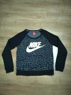 Auth Nike sweater