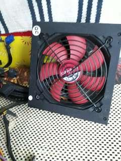 🚚 散熱器500瓦可正常使用