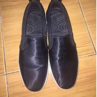 Sepatu Bershka nyaman dipakai