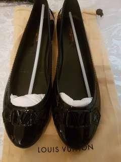 Louis vuitton shoes size 37.5
