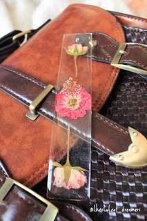 Handmade bookmark 押花書籤🌺🌸