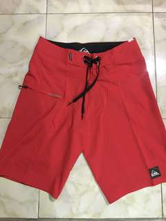 🏄‍♂️ FOR SALE 🏄‍♂️ QUIKSILVER boardshort surfing  original 💯