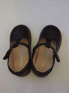 Girl's Black Shoes