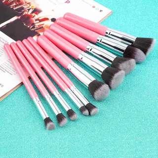 10 in 1 make up brush/ kuas make up isi 10 pcs (kuas contour isi 10). Sale!!