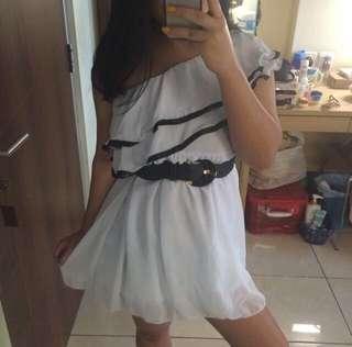 Sale White Asimetri Dress