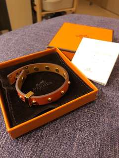 Hermes orange leather bracelet. Bought at flagship store in central hk. Original price at HKD3xxx, 99% new, wore less than 5 times.