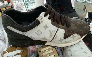Sepatu pria  lv sneaker