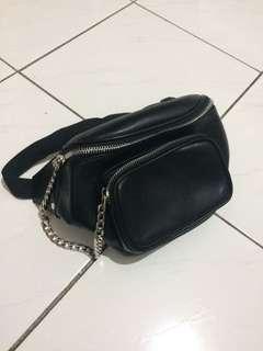 Belt bag pull n bear look alike fanny pack