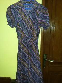 Dress batik ungu dan biru