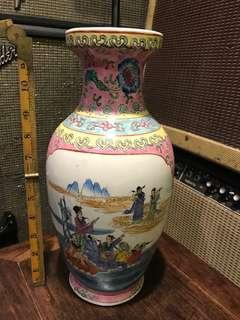 古董花瓶。八仙過海