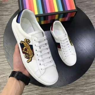 Sepatu Gucci Tigger