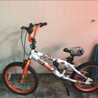 Kids bicycle (6-8years) with support wheels