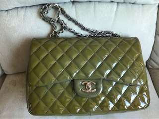 Chanel patent jumbo, color changing from grey, 99.99new,authentic, card.,