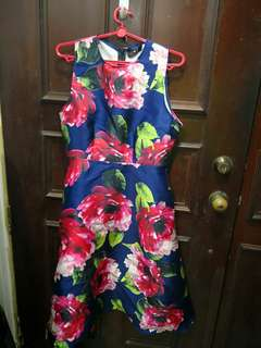 A very pretty blue floral AX dress - Size L