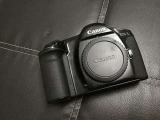 Canon Eos 1 film camera