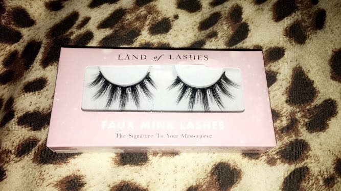 "fec4b80bb30 Brand New Land Of Lashes ""Paloma"" style, Health & Beauty, Makeup on  Carousell"