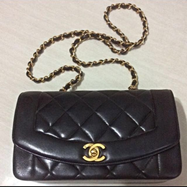 2f694d147c95 CHEAPEST Authentic Chanel Vintage Diana Flap Bag, Luxury, Bags & Wallets,  Handbags on Carousell