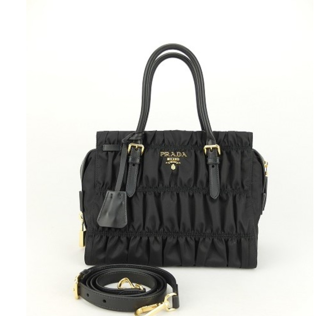 324b73002ca7 NEW)Prada 1BA086 Tessuto Gaufre (Nero), Women's Fashion, Bags ...