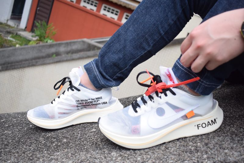Off-White x Nike Zoom Vaporfly 18ee7a65b