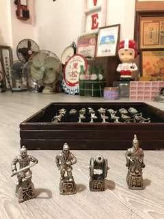 🚚 「早期軍棋品項佳」+送好禮8選一 早期 古董 復古 懷舊 稀少 有緣 大同寶寶 黑松 沙士 鐵件 40年
