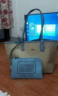 COACH F36658 SIG REVERSIBLE CITY TOTE BAG LIGHT KHAKI BLUE