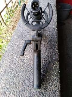 Sennheiser boom moc with pistol grip