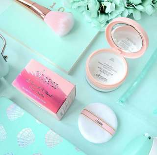 READY STOCK💕TOO SMOOTH TO RESIST LOOSE POWDER by OBSESS COSMETICS.  Processing proceed upon full payment received via bank transfer.