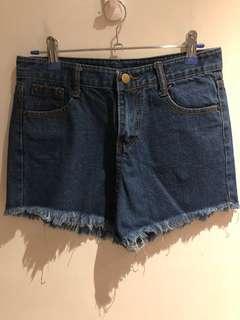 🚚 牛仔短褲/28 size