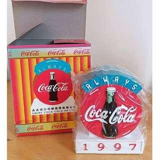 97年東東產品可口可樂牛年錢箱一個