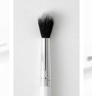 SALE❗️Colourpop Tapered Blending Brush 09