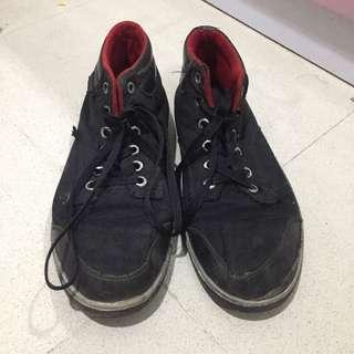 Kakkoii Precise Sepatu Sekolah Unisex Laki Perempuan Bekas Second Murah