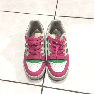 🚚 愛迪達球鞋
