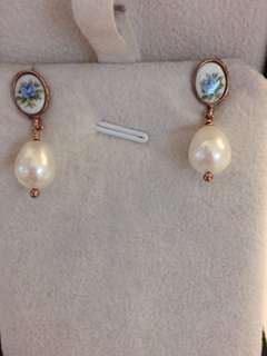 Pearl earrings from Italy