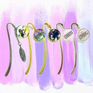 🚚 Customized Bookmarks