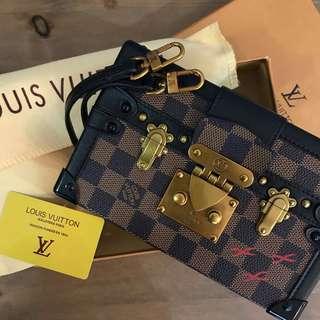 Louis Vuitton Petite Malle Damier