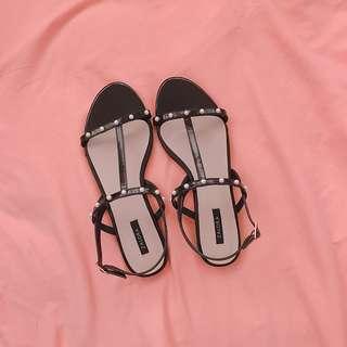 🚚 黑色涼鞋