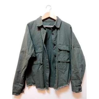 軍綠大口袋工裝牛仔外套落肩外套防曬外套 薄款