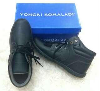 Sneaker yongki komaladi