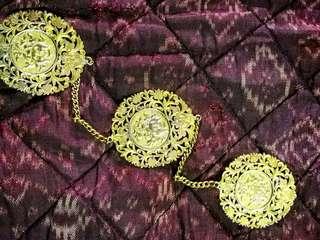 Kerongsang emas