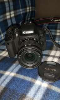 🚚 CANON EOS800D