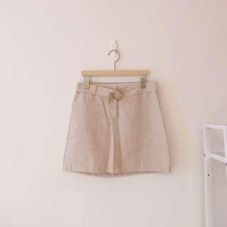 正韓 圓釦麻料短裙(淺杏)