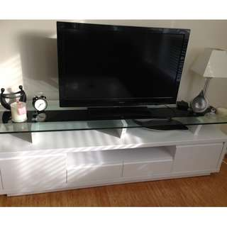 GLASS TOP TV UNIT