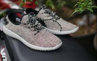 Adidas Yeezyboost Man