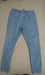 Celana jogger jeans