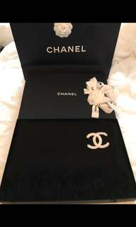 CHANEL CASHMERE SCARF in BLACK
