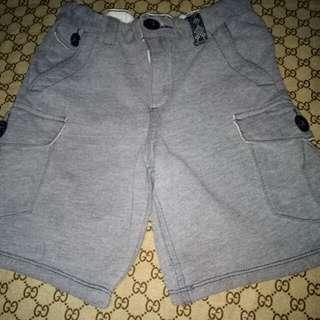 OshKosh Shorts for him( Size 4-5y/o)